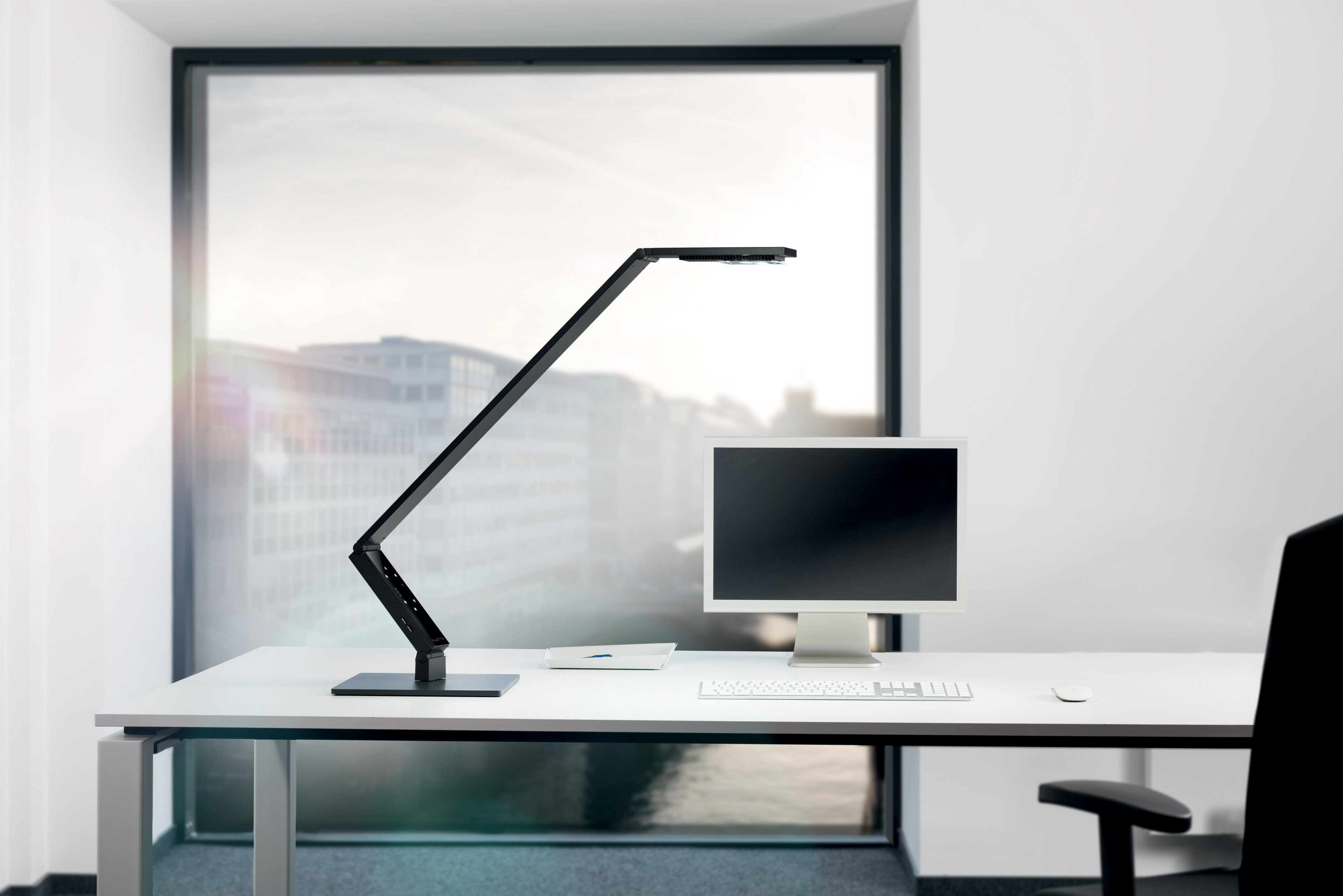 Luctra Linear Table Pro Black LED Desk Lamp