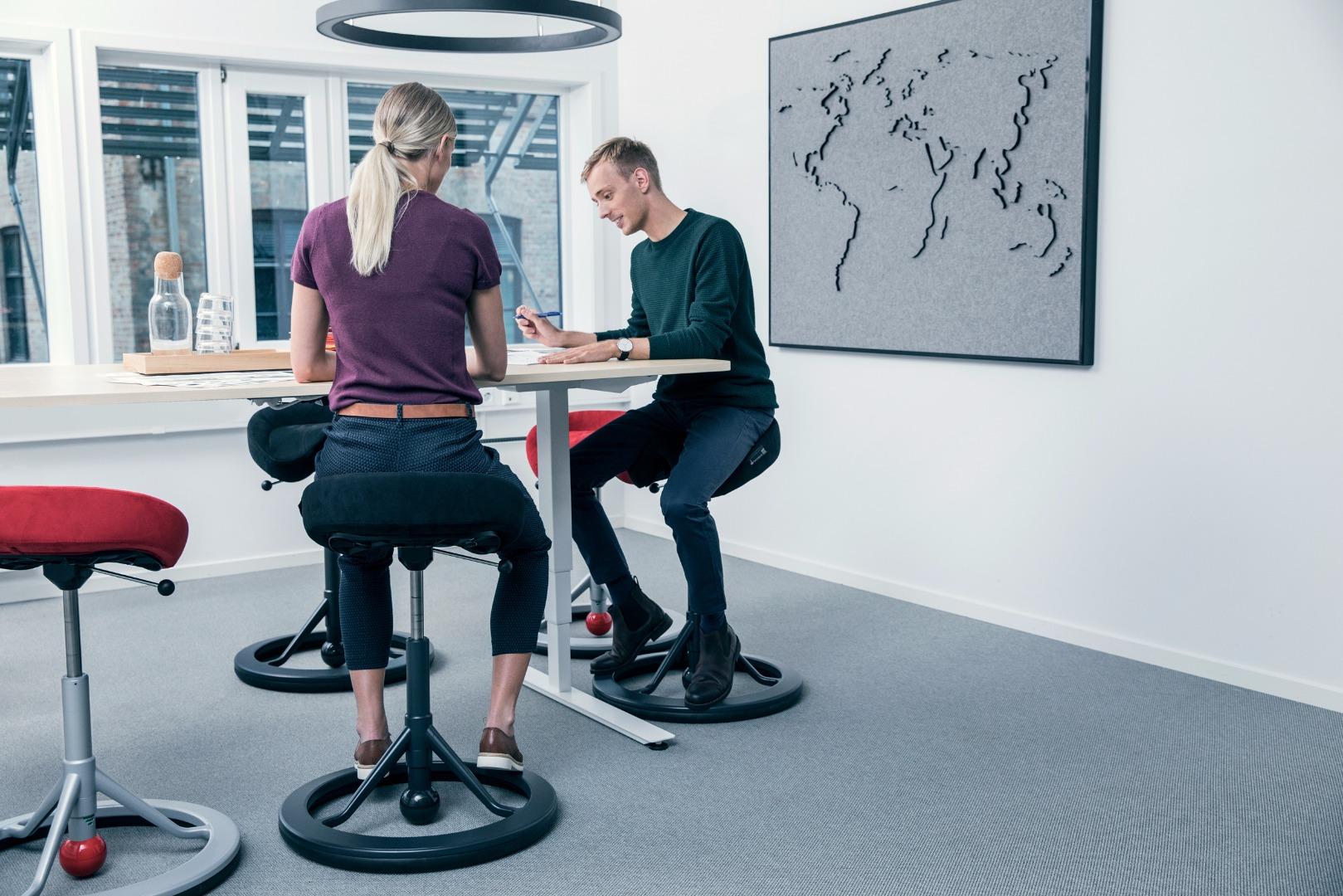 Back App Chair 2 0 The Ergonomic Saddle Stool That